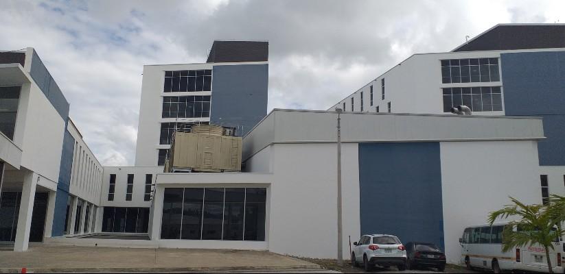 Los médicos cubanos reforzarán la atención en la Torre COVID-19 del hospital Rafael Hernández.
