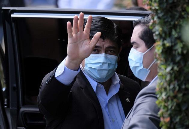 El presidente de Costa Rica, Carlos Alvarado Quesada, informó de la llegada del segundo lote de vacunas a su país. Foto: EFE