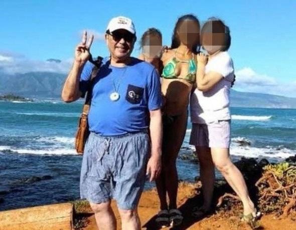 El doctor José Croston justificó su viaje a Hawái.