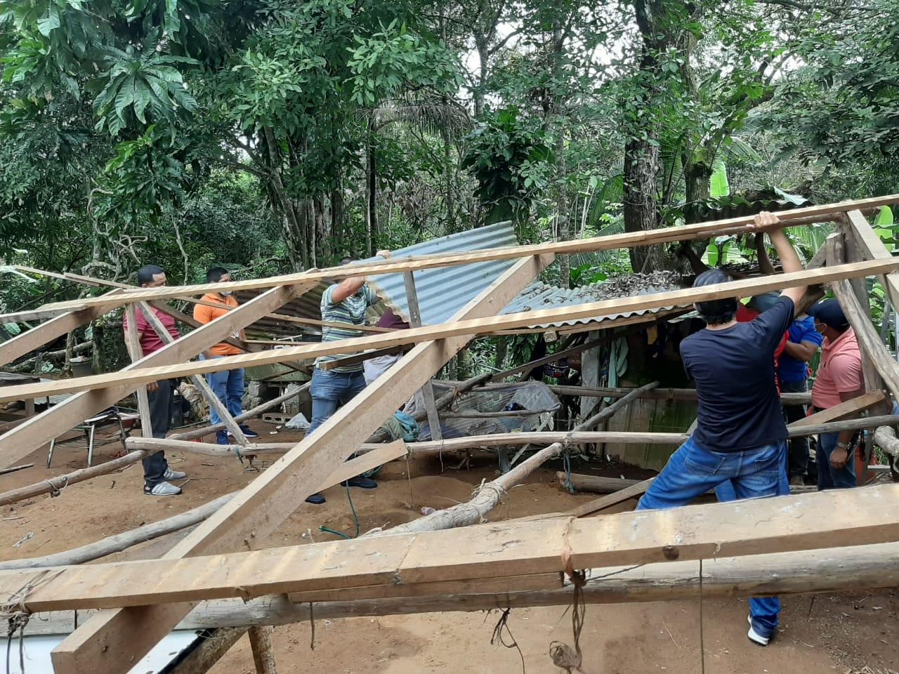 La vivienda de Isidra García fue afectada por las fuertes lluvias que cayeron el pasado  mes de noviembre en Veraguas. Foto: Melquiades Vásquez