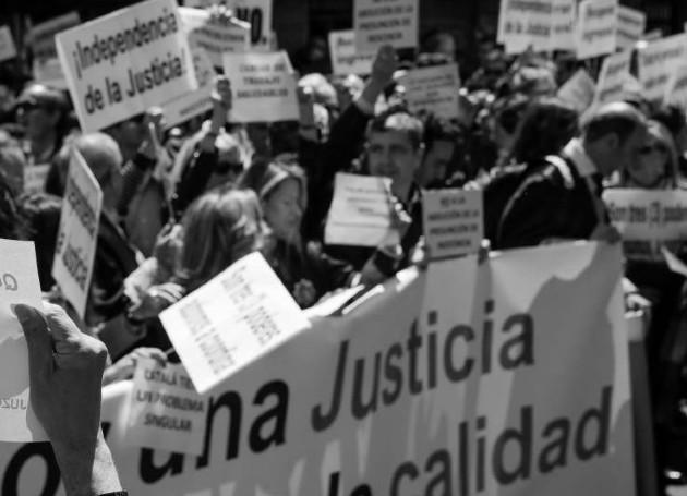 La confianza en el sistema judicial como nuestro protector, con su claro y primario deber de ser justo y eficiente, tiene una estrecha relación con la forma de hacer política en Panamá. Foto: EFE.