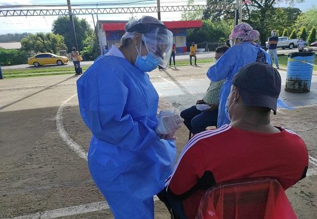 A la fecha se aplicaron 7.703 pruebas nuevas de contagio para detectar la covid-19. Foto cortesía Minsa