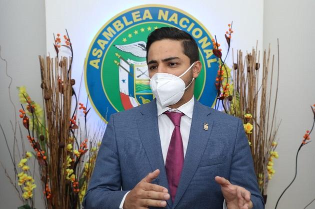 El diputado Julio Mendoza fue el proponente del proyecto de Ley No. 345, que crea el Programa Red de Productores.