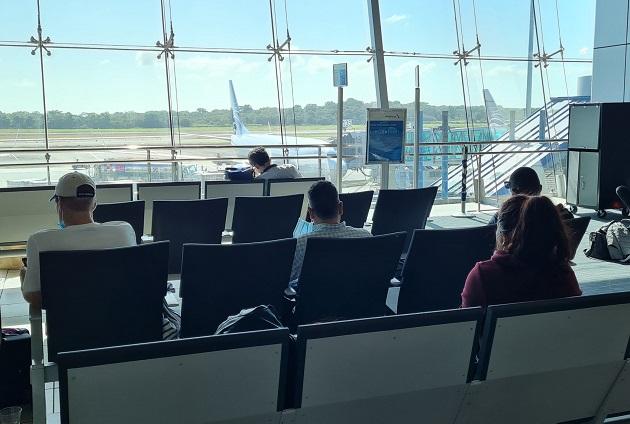 Altas medidas de bioseguridad se mantienen en el Aeropuerto Internacional de Tocumen.