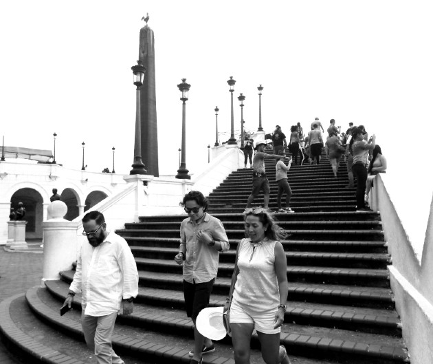 Al fondo, la plaza de Francia, en el Casco Antiguo de la ciudad de Panamá, recoge en su seno muchos detalles de la historia panameña de 1920 al 2021, que muchos intelectuales desconocen. Foto: Epasa.