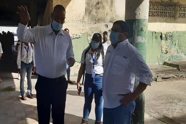 Los integrantes de la Federación de Trabajadores Mixtos de Colón, quienes se han dedicado a la limpieza de estas instalaciones, serán incorporadas como mano de obra de la empresa contratista que se gane la licitación.