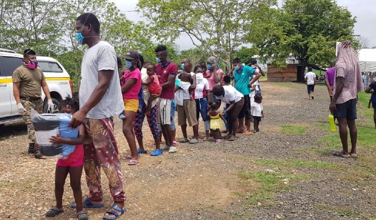Hay migrantes varados en ambas fronteras panameñas.