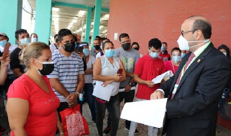 Eduardo Leblanc ha tenido seis meses de intensa actividad, como ayudar a nicaragüenses a regresar a su patria. Cortesía