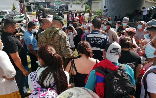 Los migrantes están varados en Paso Canoas.