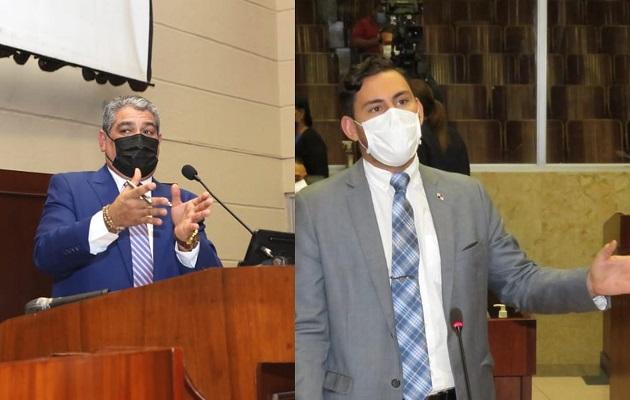 El diputado Juan Diego Vásquez (dcha.) le recordó el tema de los derechos humanos al ministro Luis Francisco Sucre.