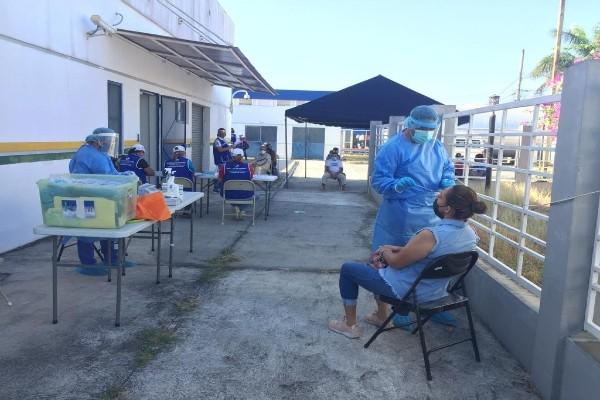 Los Equipos de Respuesta Rápidacontinúan realizando las pruebas de hisopado a nivel nacional.