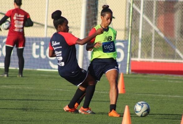 Las jugadoras se preparan para los amistosos en Guatemala. Foto: @fepafut