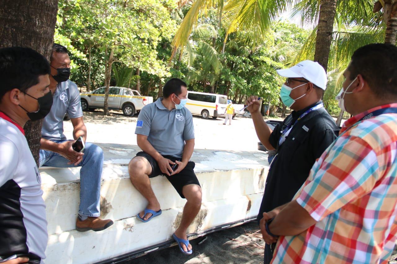 Las autoridades manifestaron su intención de apoyar al sector pesquero para mejorar la actividad.