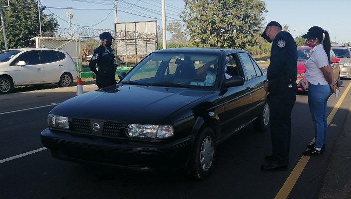Las autoridades advirtieron que se mantendrán acciones como puestos de control, hisopados express, operativos de verificación y retenes policiales.