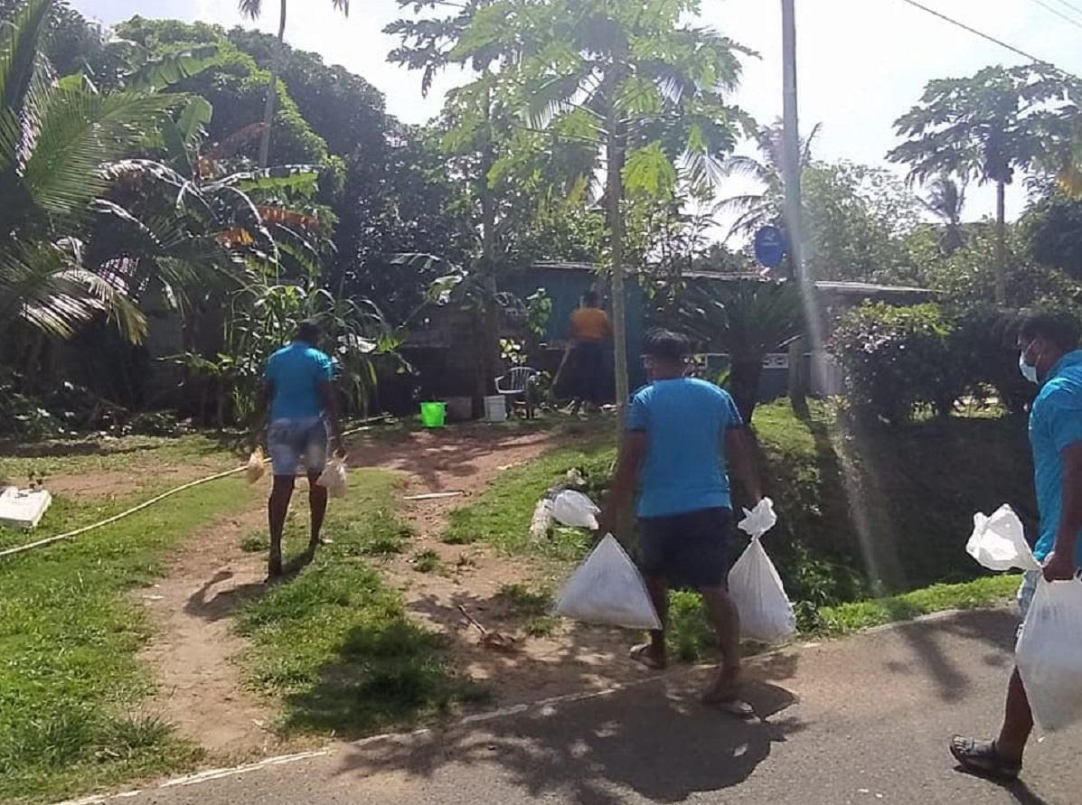 Supuestamente, había familias a las que no les entregaban las bolsas con víveres. Foto: Diómedes Sánchez