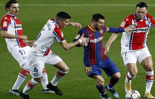 Messi marcó dos goles ante el Alavés.