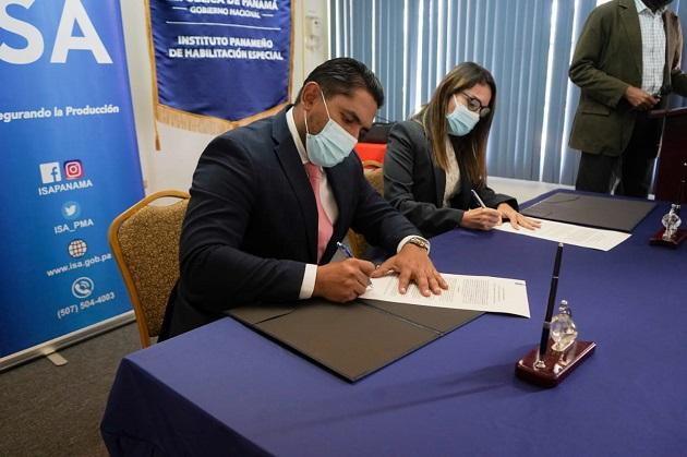 Iphe e ISA firmaron un acuerdo en beneficio de estudiantes con discapacidad. Foto cortesía