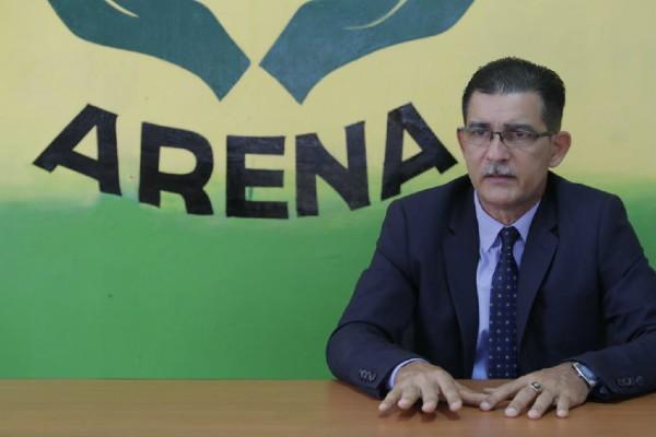 Los extranjeros tienen que mantener el respeto, cumplir lo señalado en la ley y la constitución de este país, pero ellos también merecen el respeto de las autoridades, expresó Rodríguez.