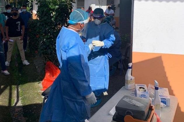 Personal de salud no baja la guardia en su lucha contra la covid-19 en Panamá. Foto cortesía Minsa