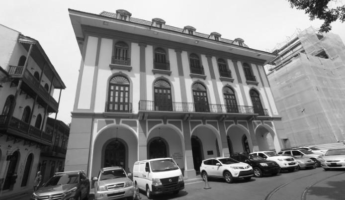 El hoy Museo del Canal fue construido originalmente para el Grand Hotel. Ocupó la Compañía Universal del Canal Interoceánico y los Correos Nacionales. Es un ejemplo de la arquitectura francesa en el Casco Antiguo. Foto: Archivo.