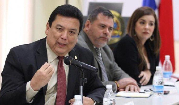 Eduardo Uloa, todavía procurador general de la Nación, admitió ante el país que el sistema tiene fallas.