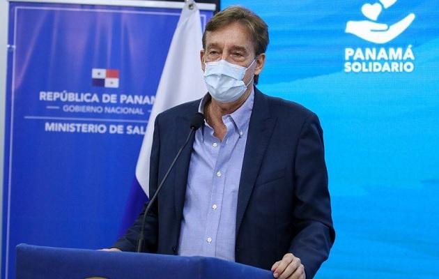 El infectólogo Xavier Sáez Llorens dijo que hasta el momento se ha autorizado vacunar a los adolescentes entre 16 y 18 años de edad.