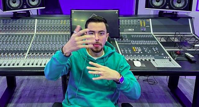 Johnny López, conocido como Bk, está trabajando con reconocidos artistas. Foto: Instagram / @bkmusica