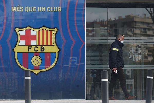 En el documento aparecen señalados Joan Laporta y Víctor Font, actuales candidatos a la presidencia del FC Barcelona. Foto: EFE