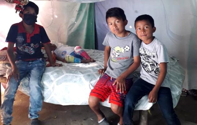Familia Lorenzo Rodríguez pide ayuda para su hijo enfermo. Foto: Cortesía