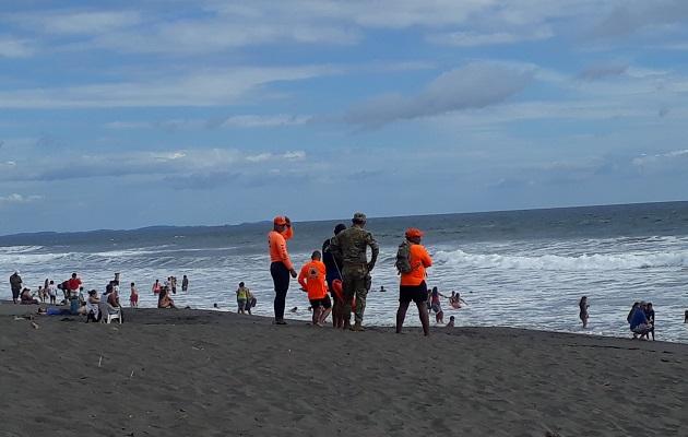 El aforo para ingresar a las playas será el que dispongan los gobernadores de cada provincia, según el acuerdo que hayan establecido con las autoridades de los distritos donde están ubicadas.