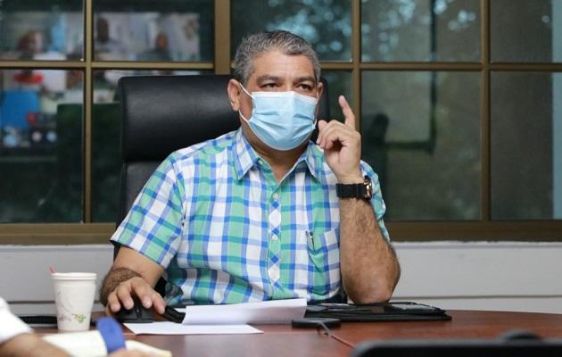 El abogado Ernesto Cedeño explicó que estas decisiones le corresponden al Órgano Ejecutivo y no solo al ministro de Salud, Luis Francisco Sucre.