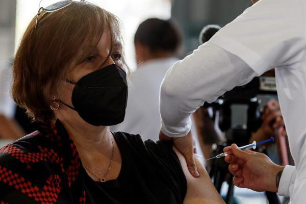 Además de los múltiples acuerdos con farmacéuticas internacionales, México trabaja en sus propios proyectos de vacuna anticovid. EFE