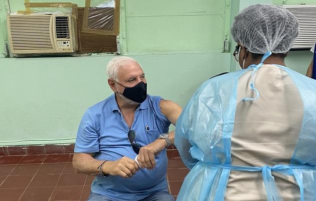 Ricardo Martinelli calificó de positivo el proceso de vacunación.