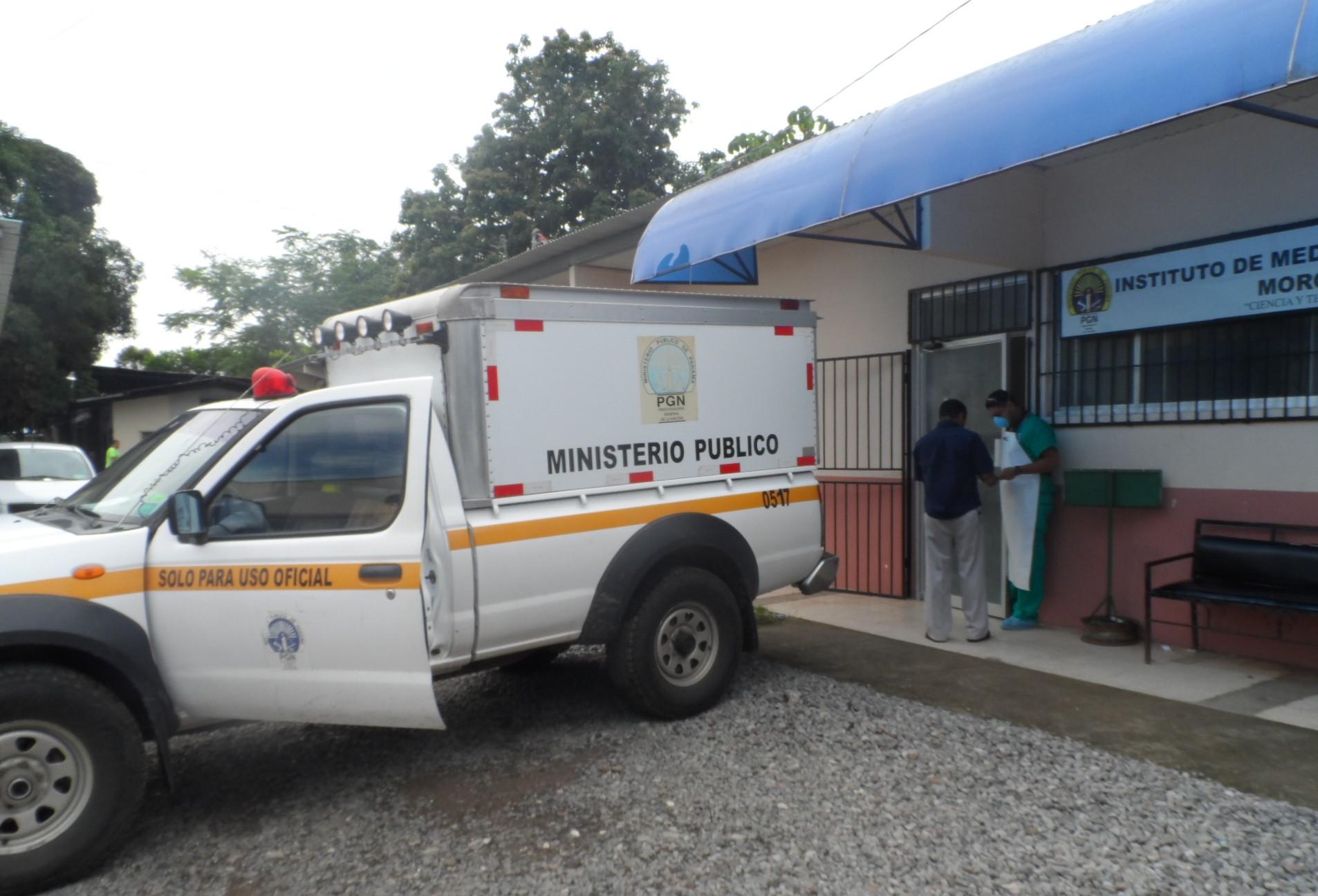 La Policía Nacional, en conjunto con el Ministerio Público, buscan esclarecer el móvil de este presunto homicidio y dar con los responsables.