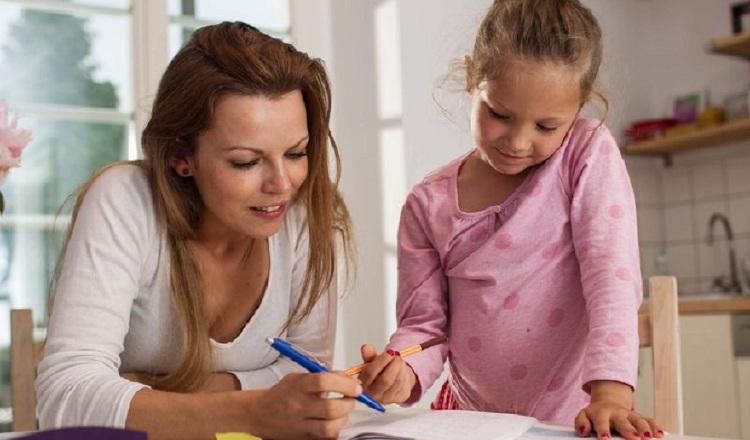 Deben escuchar lo que sus hijos desean transmitir. Pixabay