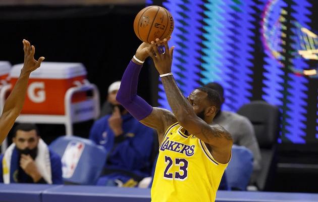 LeBron James tiene en vilo a los Lakers.