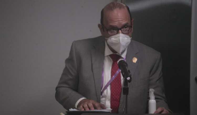 El defensor del Pueblo está concursando para mantenerse en el cargo por cinco años adicionales. Víctor Arosemena