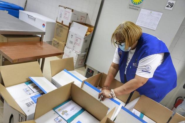 Panamá recibió 70,200 dosis de la vacuna de Pfizer la noche de ayer, martes 23 de marzo. Foto cortesía Presidencia de Panamá