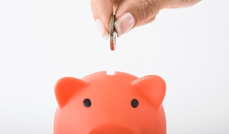 Ahorrar es un ejemplo de cómo lograr una felicidad financiera. Pixabay