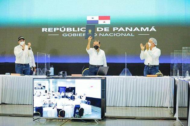 El presidente Laurentino Cortizo sancionó hoy la Ley No. 164 que crea la Agencia Panameña de Alimentos (APA). Foto cortesía