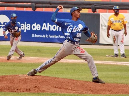 El derecho Zahir Zuñiga. Foto: Fedebeis