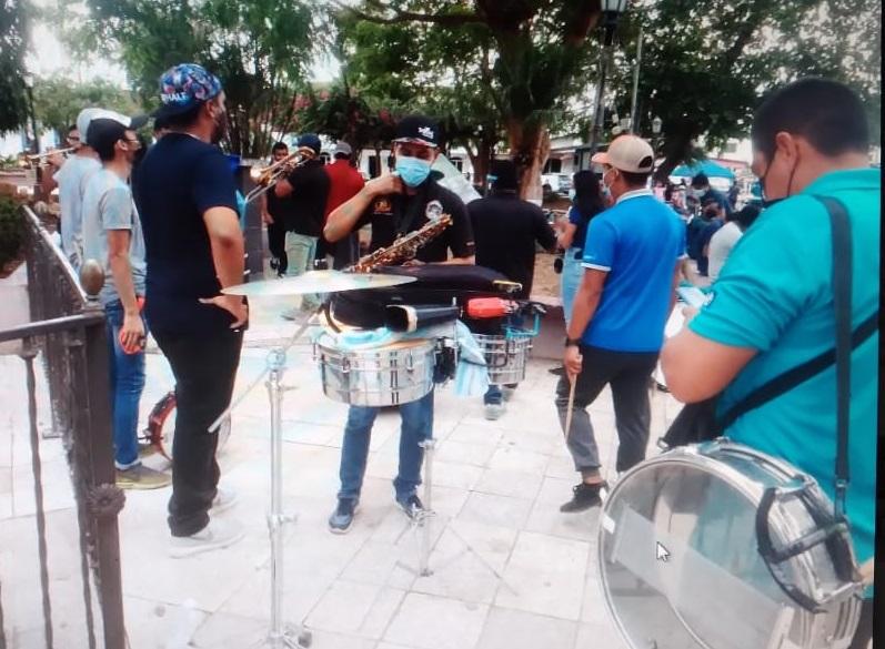 Se concentraron en el parque Juan Demóstenes Arosemena de la ciudad de Santiago. Foto:Melquiades Vásquez