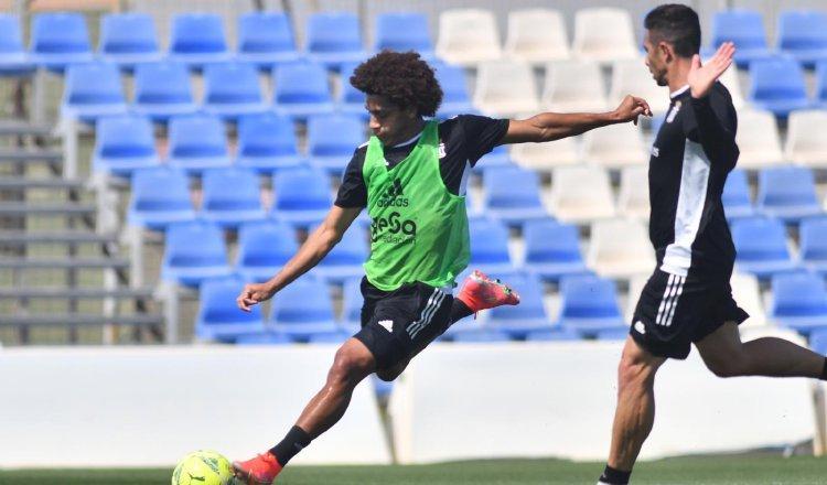 El panameño Adalberto Carrasquilla, durante el entrenamiento que el Cartagena realizó ayer. Cartegena FC