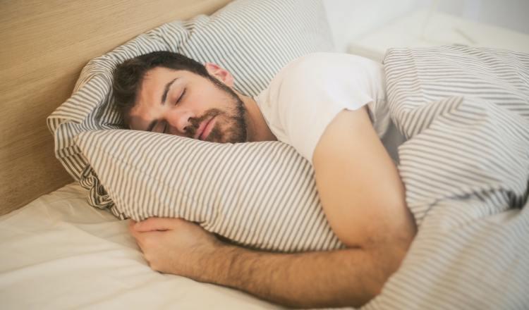No dormir bien afecta la salud física y mental. Ilustrativa / Pexels