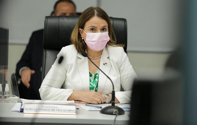 La titular del Meduca, Maruja Gorday de Villalobos, explicó que durante las últimas tres semanas ha sostenido reuniones con diferentes sectores, para reiterarles que el proceso será gradual, escalonado y contextualizado.