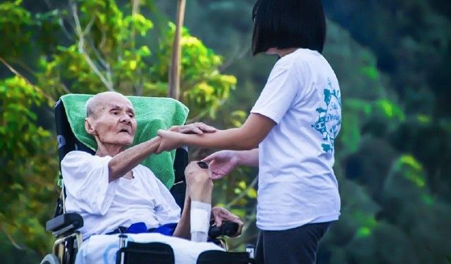 El cuidador también puede necesitar apoyo de un profesional. Foto: Ilustrativa / Pixabay
