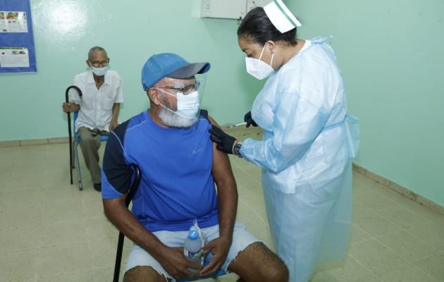 Eyra Ruiz, dijo que se evalúa el proceso para la inmunización contra la covid-19.