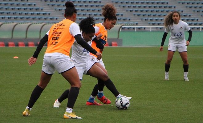 Selección femenina entre en Japón al completo. Foto:Fepafut