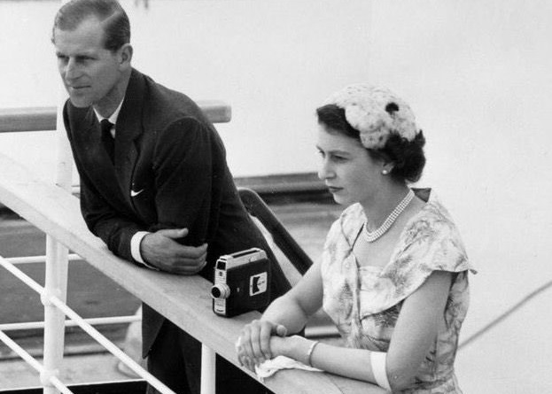Imagen de su visita a Panamá, en 1953. Twitter: @damionapotter