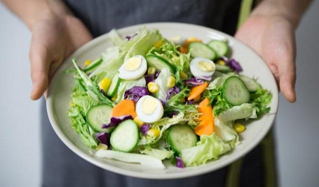Los vegetales verdes y morados, son los que favorecen. Foto: Ilustrativa / Pexels